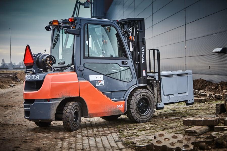 Hyväkuntoinen rengas lisää trukkisi tehokkuutta ja parantaa tuottavuutta sekä työergonomiaa.