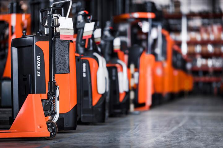 rental-warehouse-range-line-up_HI
